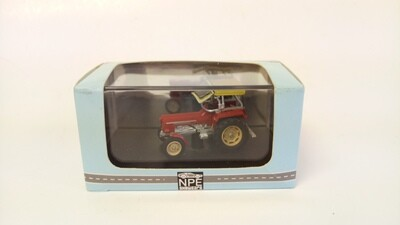 1:87 NPE Red Tractor with top