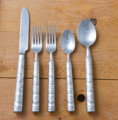 20 piece flatware set, wilderness