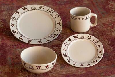 16 pieces branded dinnerware set