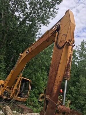 John Deere 892DL Excavator