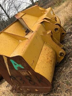 Cat 938K Bucket