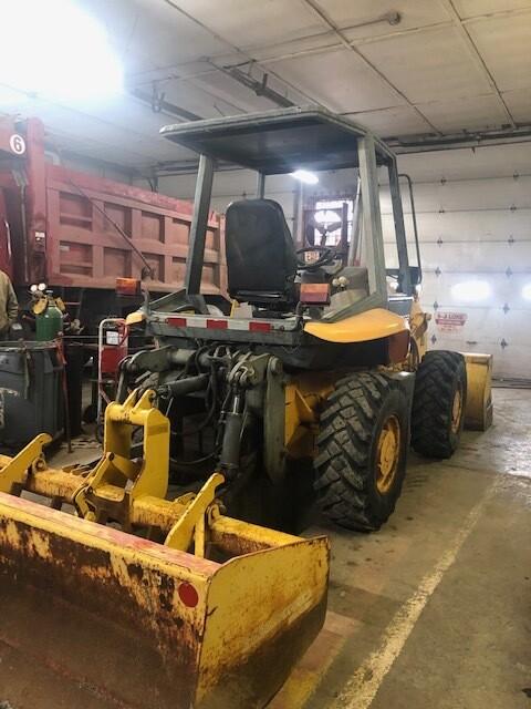 JCB 210 Utility Tractor