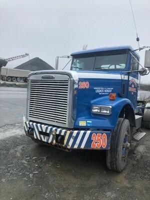 Freightliner Tractor