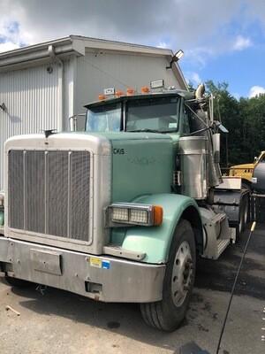 Freightliner Tractor-Truck