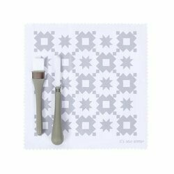 Oh Sew Clean Brush and Cloth Kit