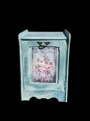 Shabby little Cupboard