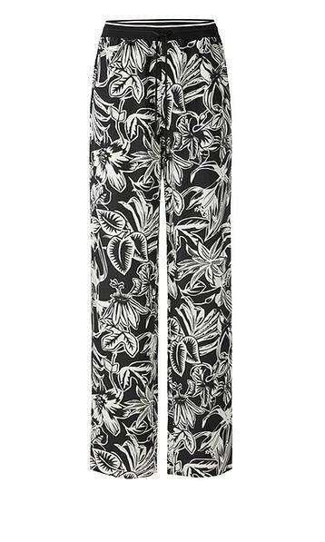 Marccain | Pantalon | QC 81.03 W22 creme