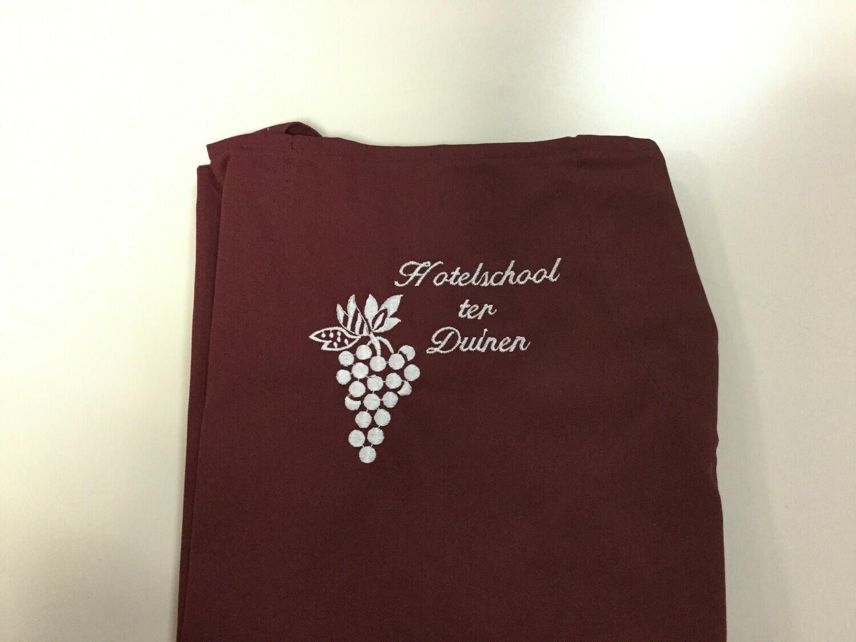 Bordeaux sommelierschort met naam van de school