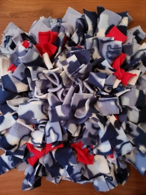 Small blue and red snuffle mat