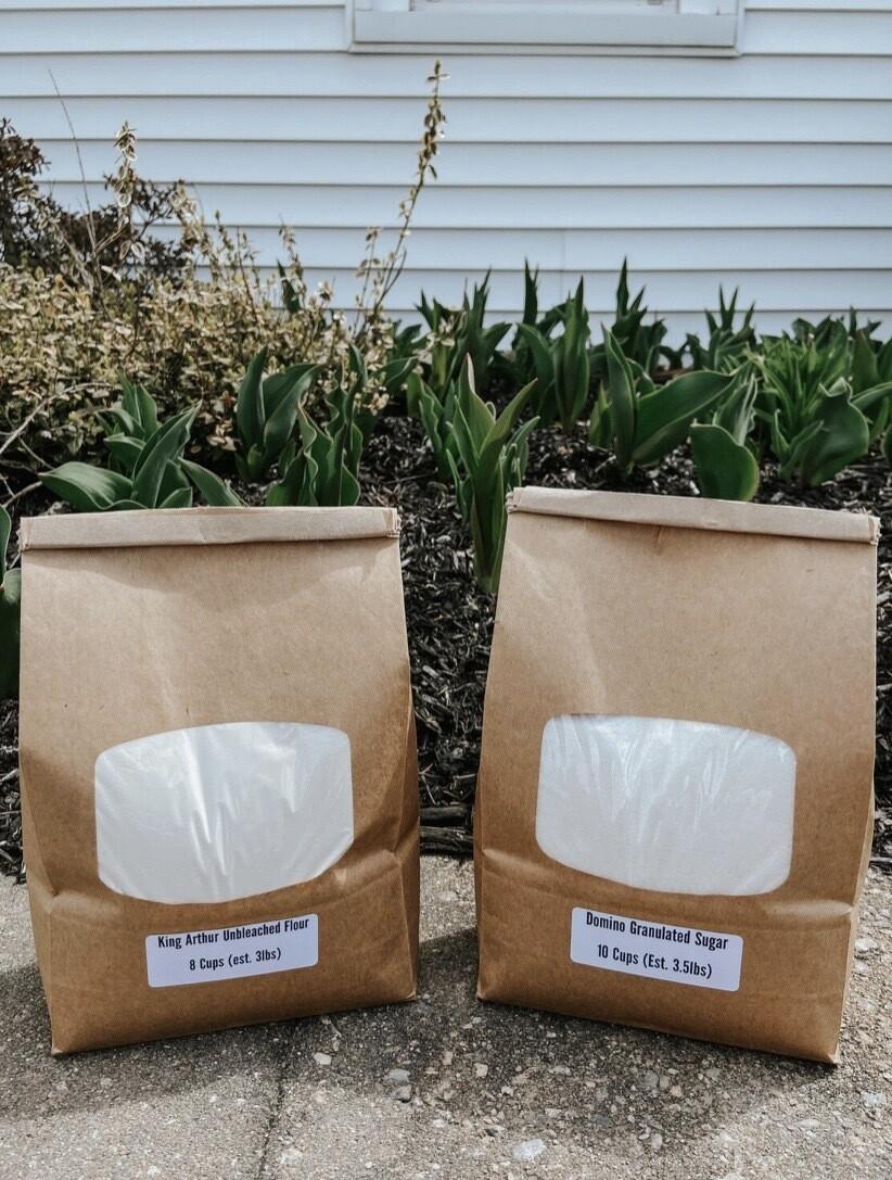 Domino Granulated Sugar - 8 Cups (Est. 3 Lbs)