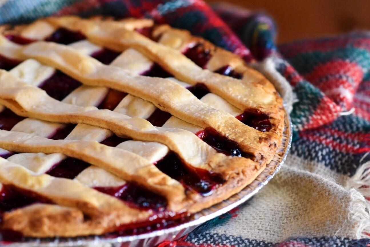 """10"""" Cherry Pie - Fresh"""