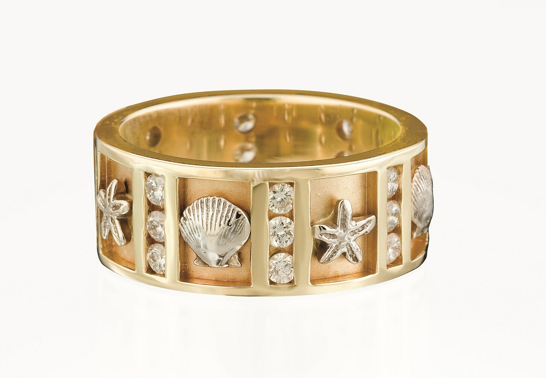 Shells and Sea Stars Nautical Ring