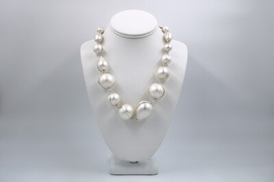 Abra Couture White Cotton Necklace (Silver)