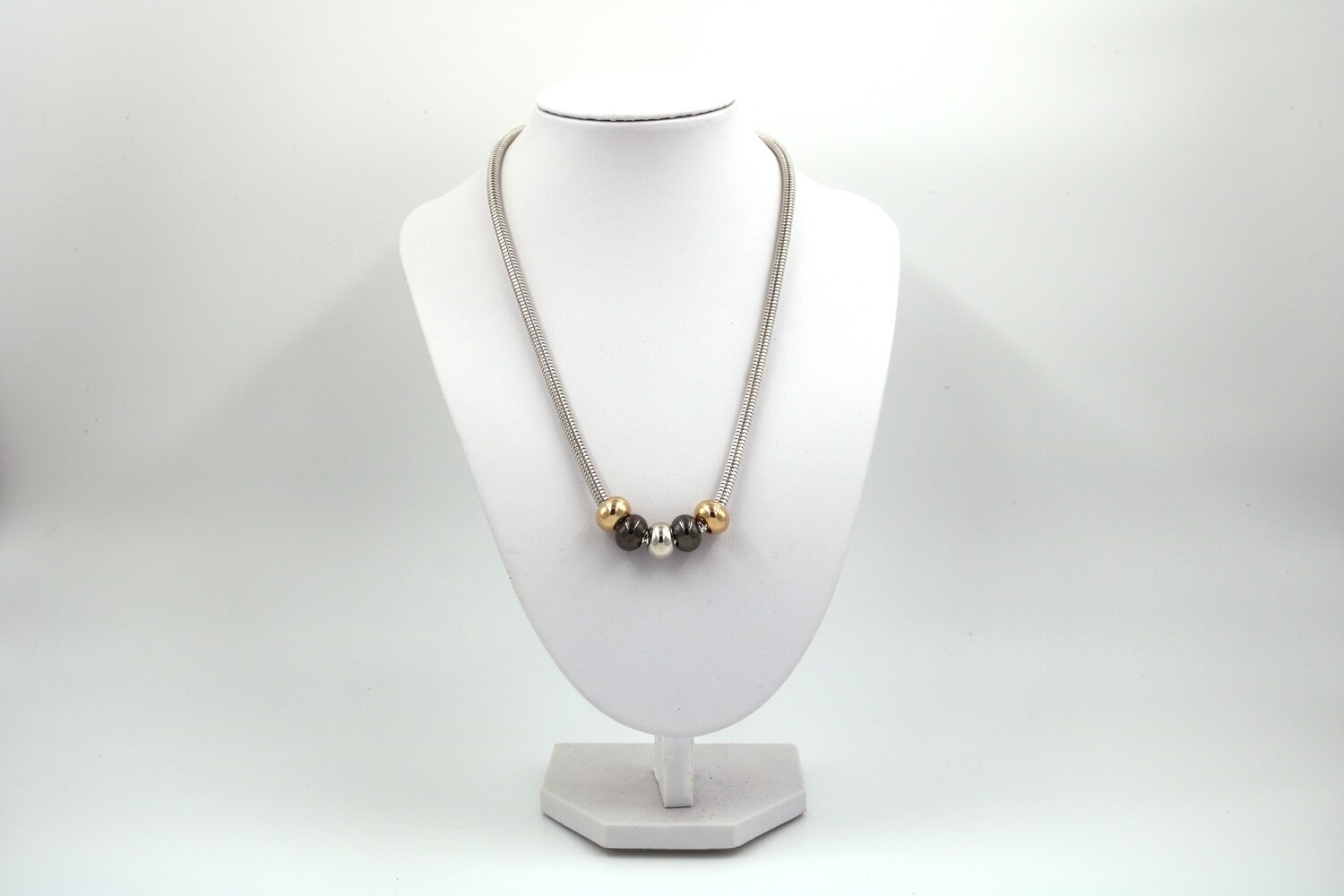Three Color Snake Chain Necklace - 18