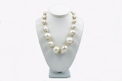 Abra Couture White Cotton Necklace (Silver)