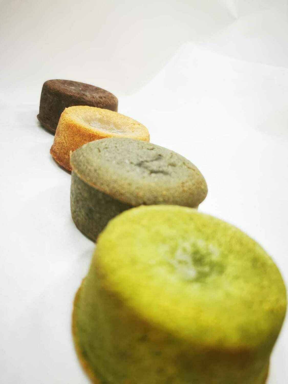 CHOCOLATE + BLACK SESAME MOLTEN LAVA CAKE (4PCS)