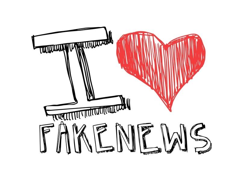 I LOVE FAKE NEWS - MASCHERINA AD USO CIVILE (con elastici)