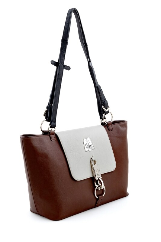 Rein Bag, Brown-Competition