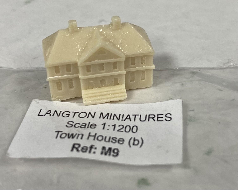 M9 Town House (b) 22x8x14