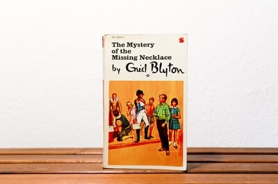 The Mystery of the Missing Necklace, Enid Blyton, Dragon books, 1974