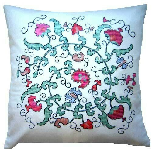 """""""I Bloom and Dance in a circle"""" pillow cover"""