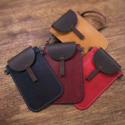 スマートフォンのための小さなバッグ(カードポケット付き)
