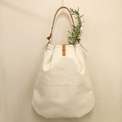 バゲットのためのプリーツバッグ(手縫い/ベルトは風呂敷バッグのベルトになります!)