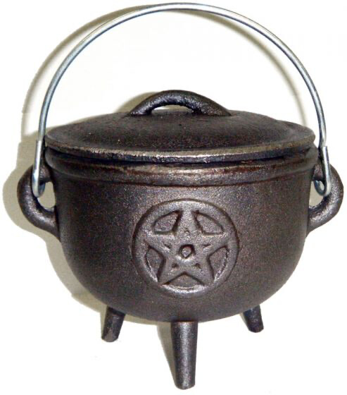 4.5 inch Cast Iron Cauldron with Lid, Pentagram