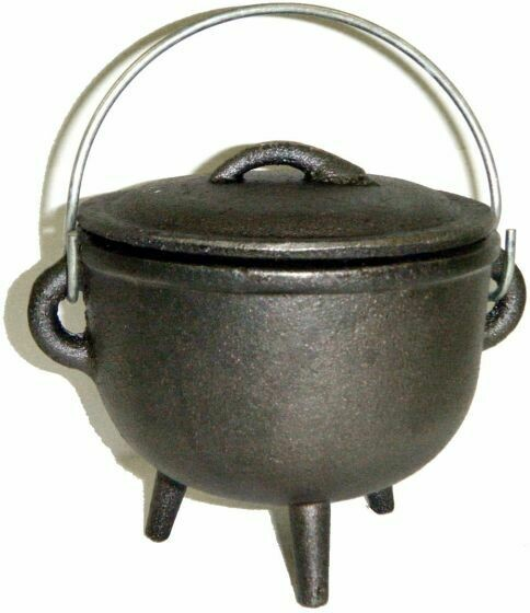4.5 inch Cast Iron Cauldron with Lid, Plain