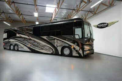 2007 Prevost Country Coach XLII