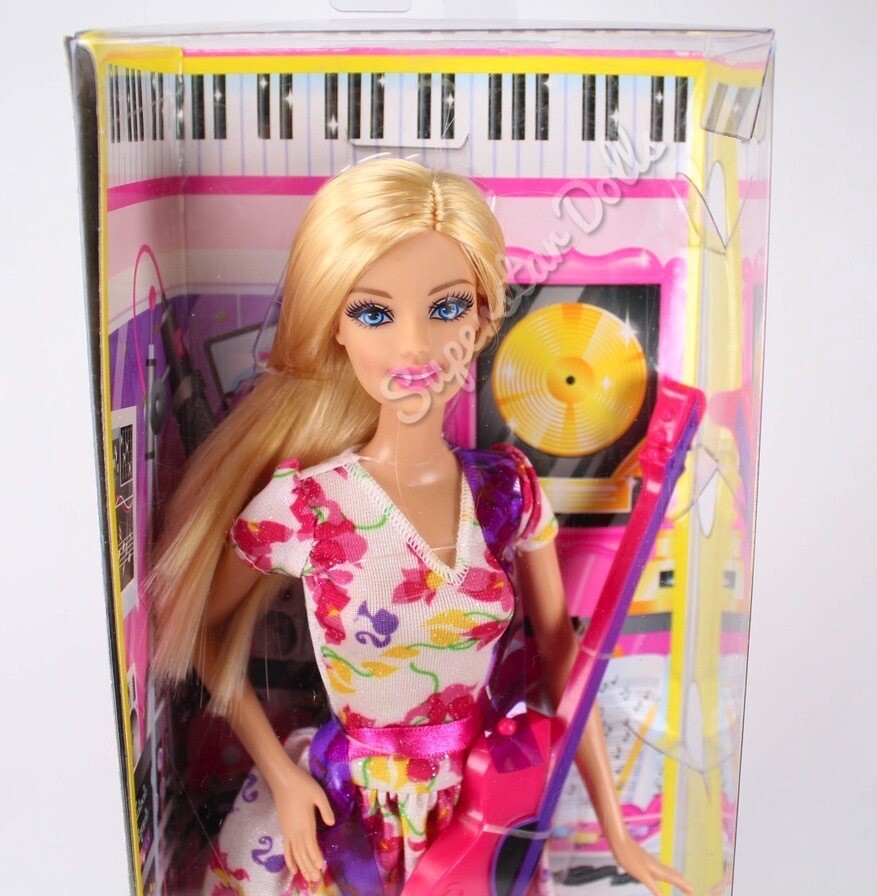 2013 I Can Be a Singer Careers Barbie Doll