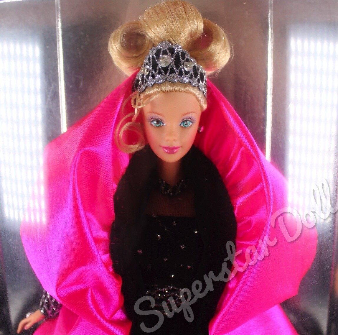 1998 Special Edition RARE ERROR BOX Happy Holidays Barbie Doll