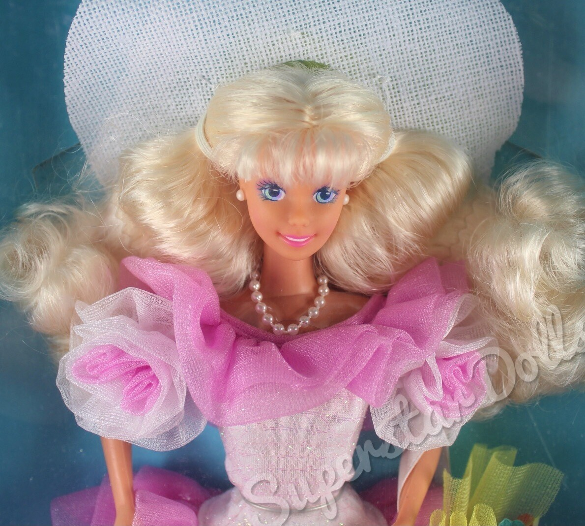 """1991 Toys """"R"""" Us Limited Edition: Spring Parade Barbie Doll"""