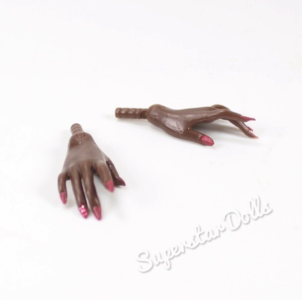 Integrity Toys: Dark A Tone Long Nail Hands