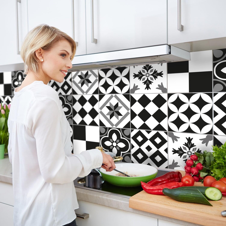 Black & White Azulejos Self Adhesive Backslpash