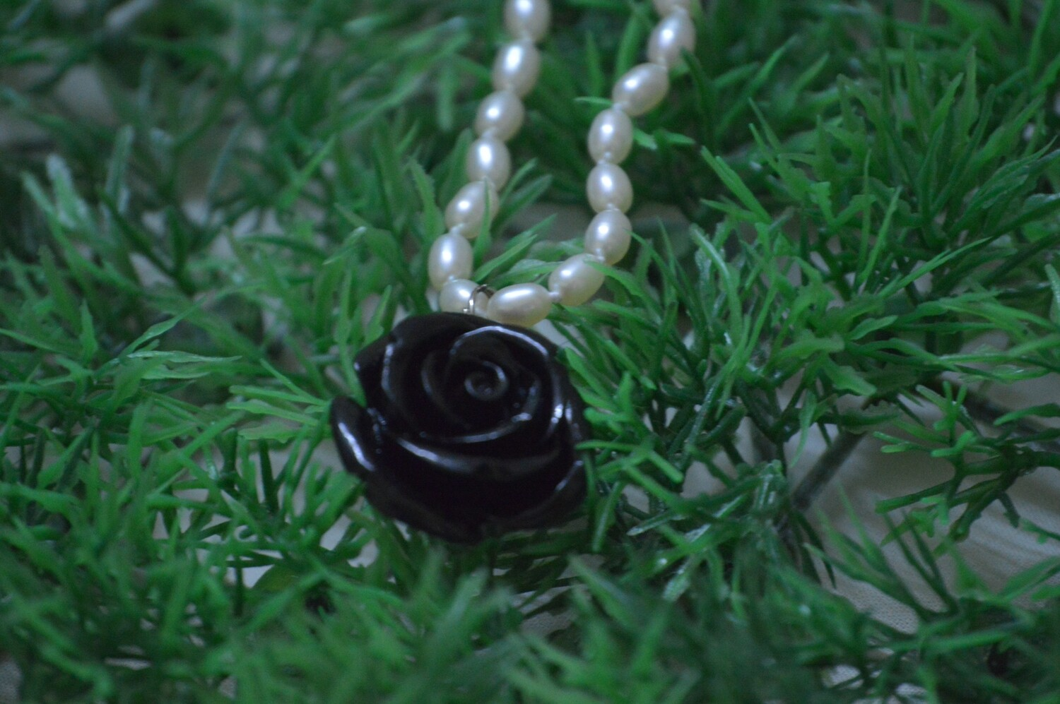 SINGLE FRESHWATER CULTURED PEARL CHAIN WITH  LACKER FLOWER PENDANT SET