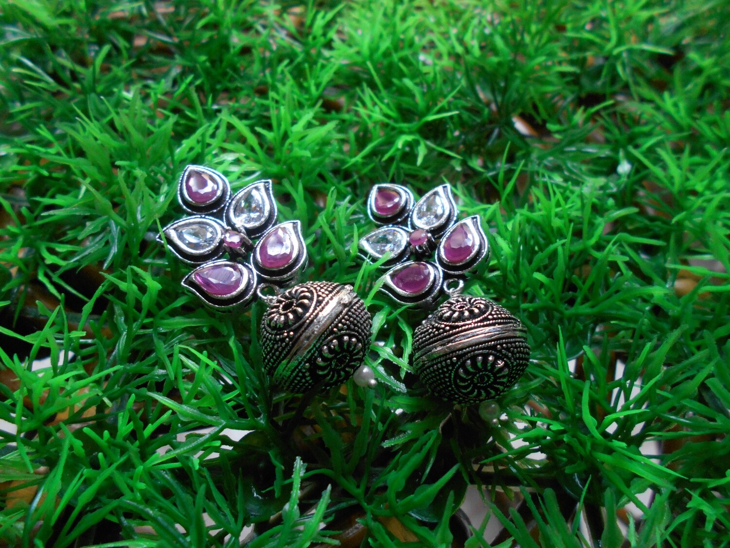 RUBY AND WHITE STONES ANTIQUE FINISH OXYDIZED EAR RINGS