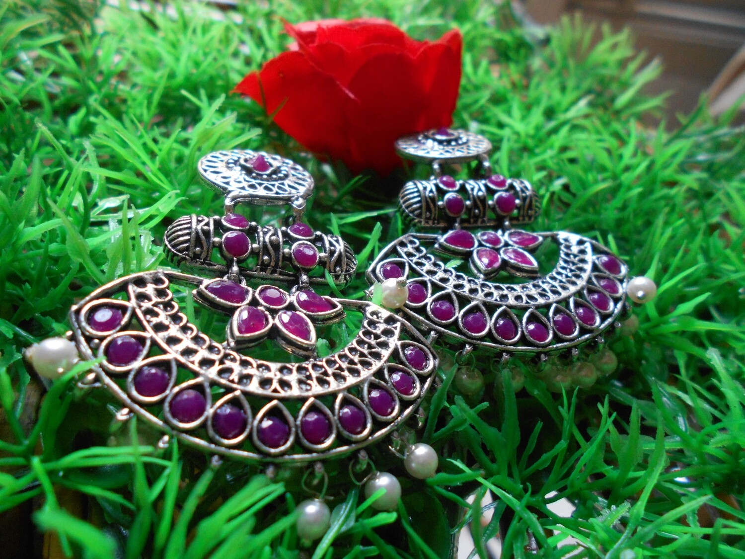 RUBY COLOR STONE ANTIQUE FINISH OXYDIZED EAR RINGS