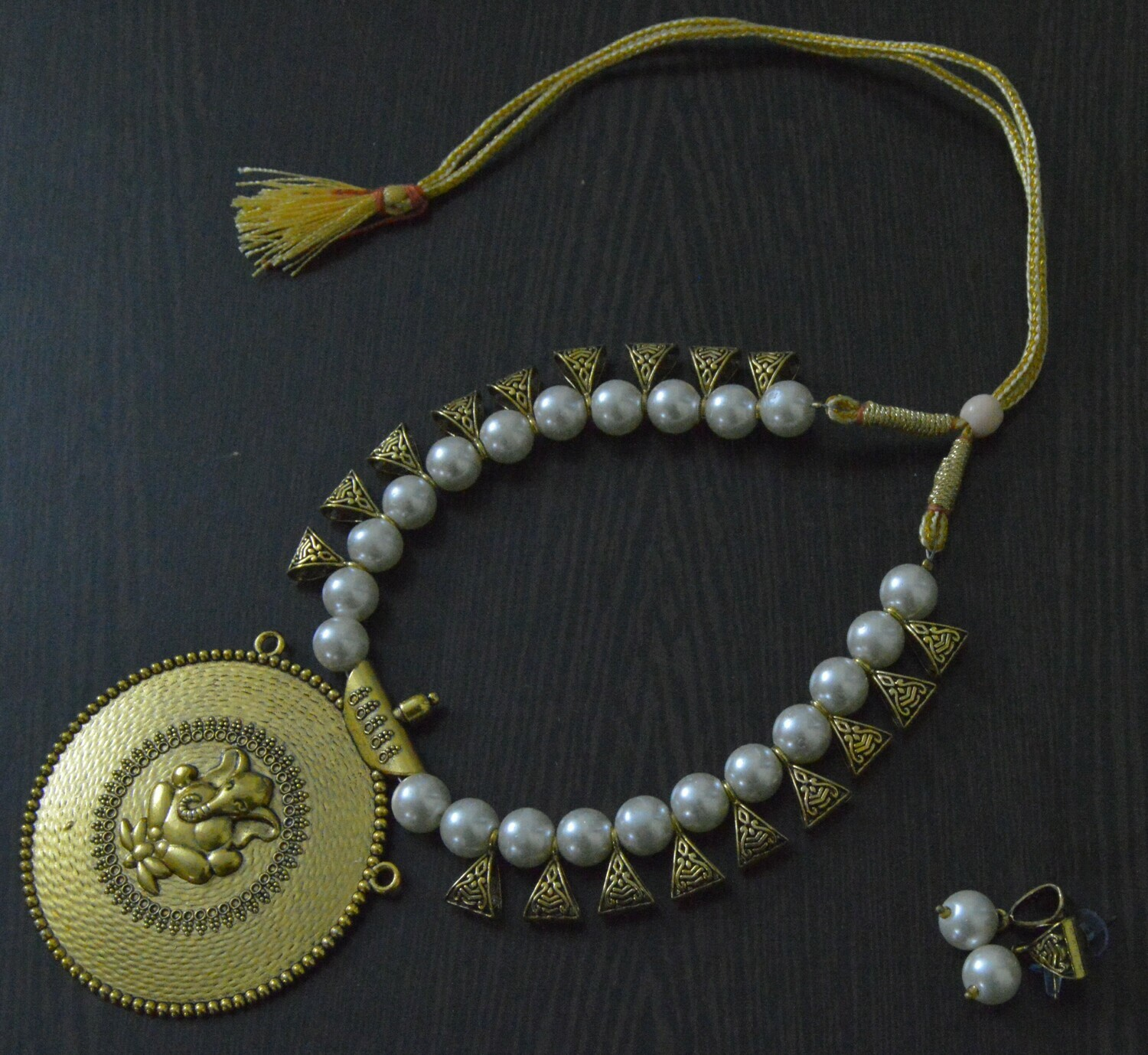 PEARL BEADS GANESH NECKLACE