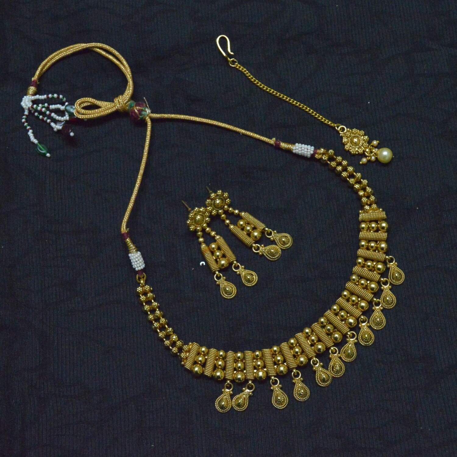 FASHION JEWELLERY NECKLACE SET NECKLACE NETHTHI CHUTTI AND EAR RINGS