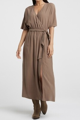 Dress with kimono sleeves