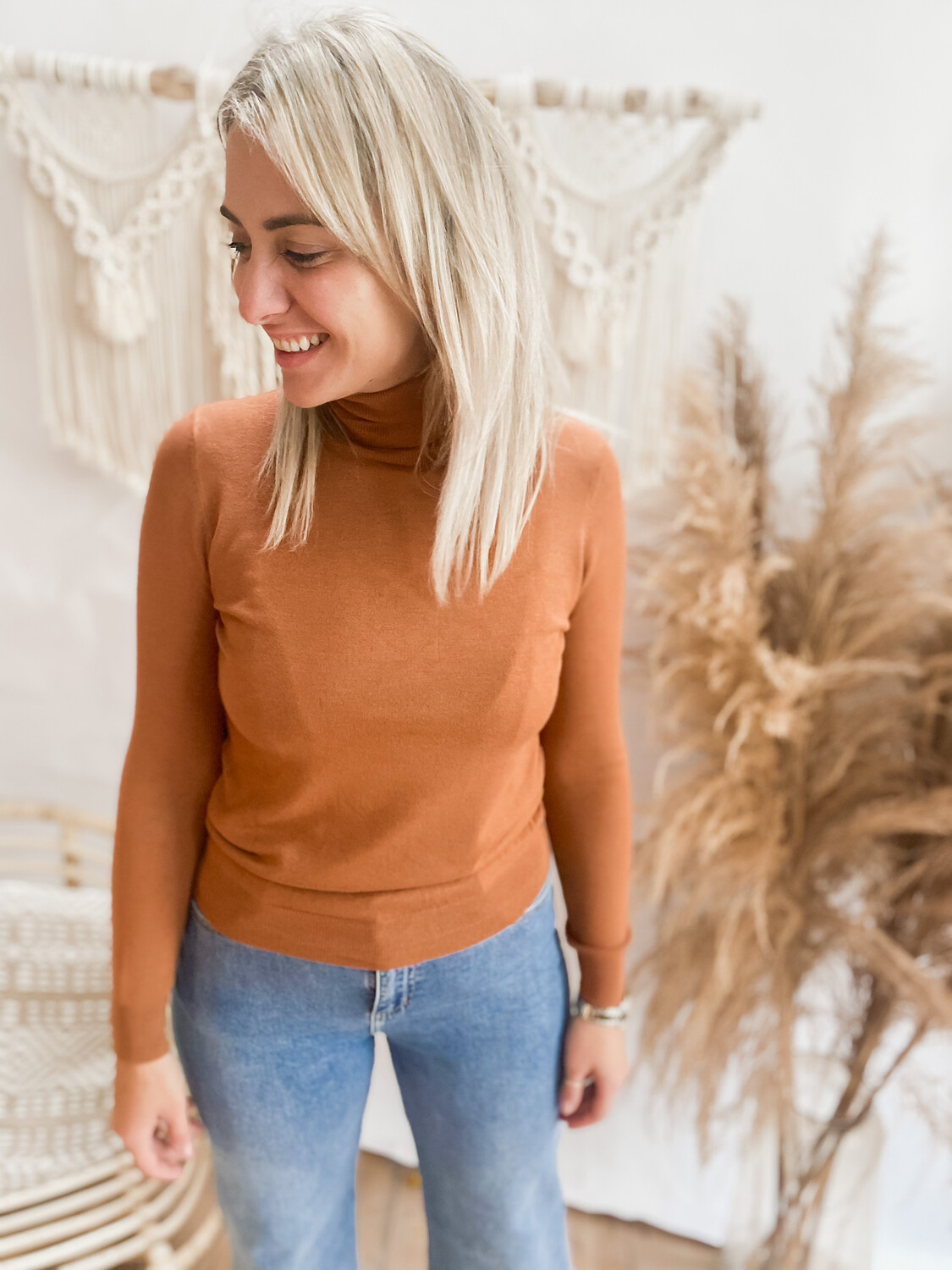 Roll neck brown