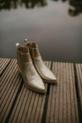 NEW GOLDEN boots