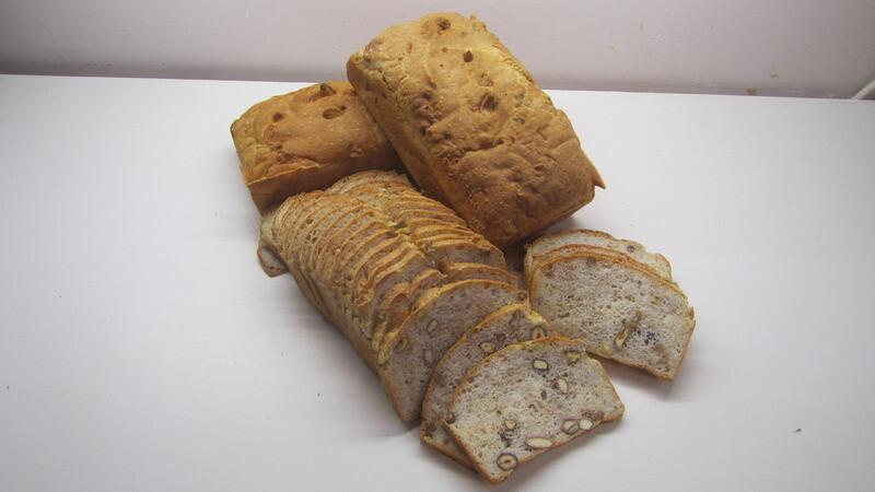 Notenbrood ' T Pateeke 800 G  ( bestellen voor dinsdag 18 uur voor levering op zaterdag )
