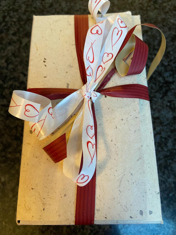 Moederdagpakket met mini koffiekoekjes, taartjes en heerlijke koekjes!