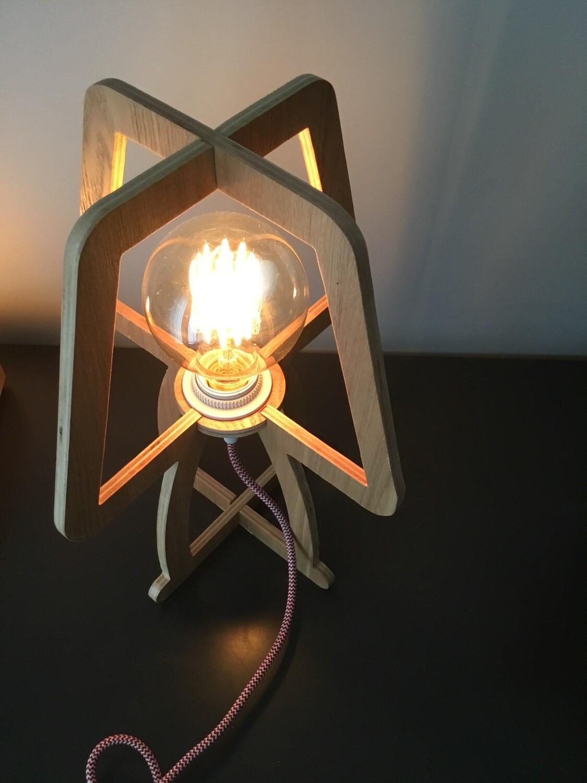 Minimalistische houten lamp incl retro gloeilamp