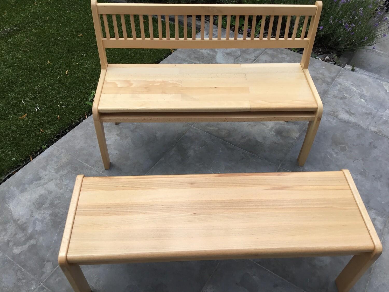 Ambachtelijke houten kinderbanken