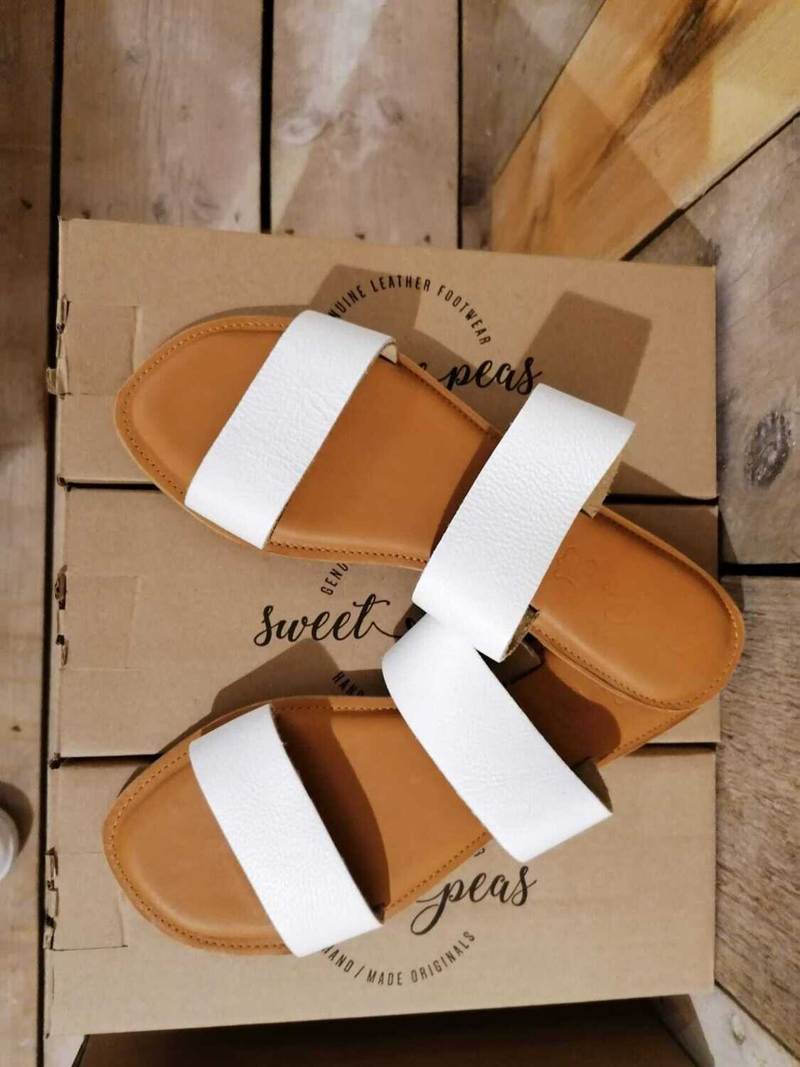 Sweet Peas Handmade Leather shoes : sandals