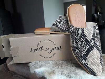 Sweet Peas Handmade Leather shoes : Mule