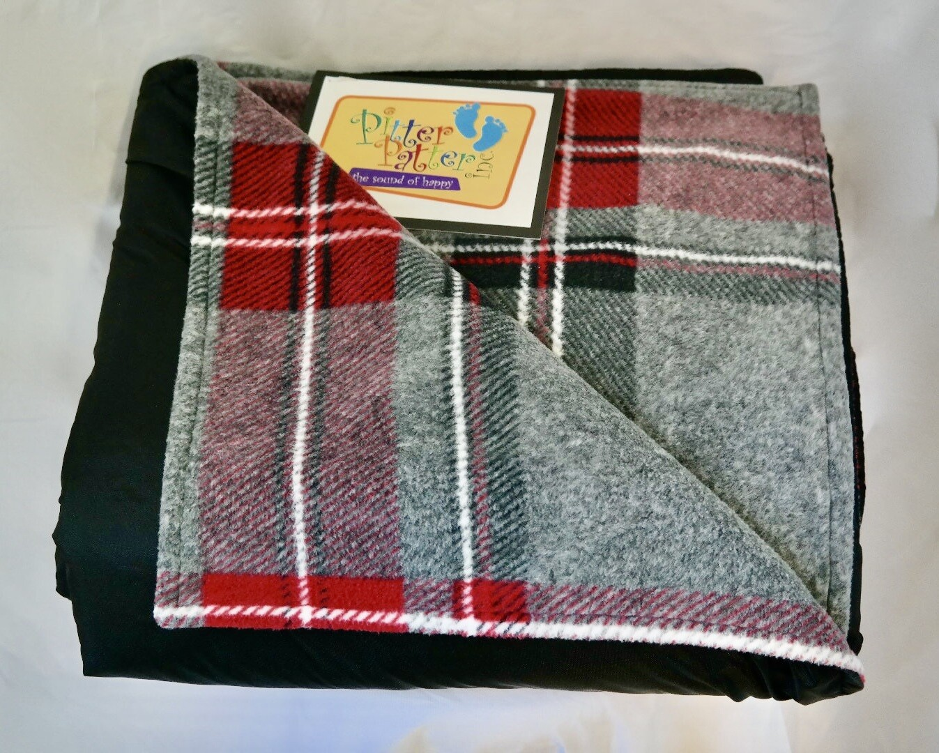 Grey & red plaid/black (family size)